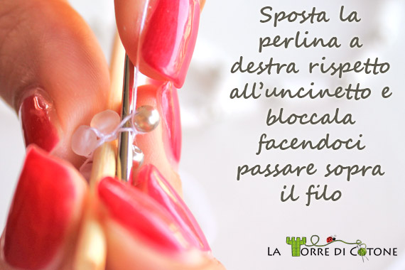 Come creare un bracciale con perline all'uncinetto